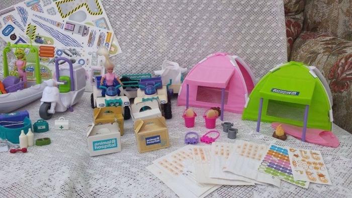 Large bundle of Animal Hospital playsets, vehicles,