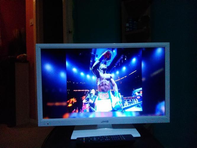 LCD TV LED 22INCH