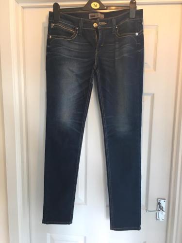 Levi jeans W30 L32 (size10/12)