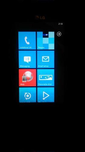 LG E-900 WINDOWS PHONE