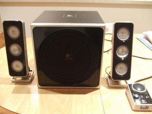 Logitech Z4 3 dimention sound system for all 3/4 jack