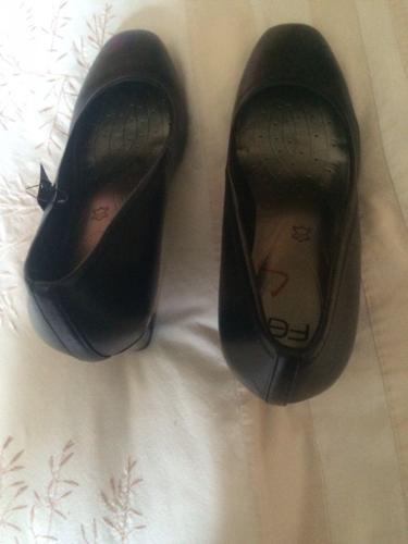 M&s black shoes