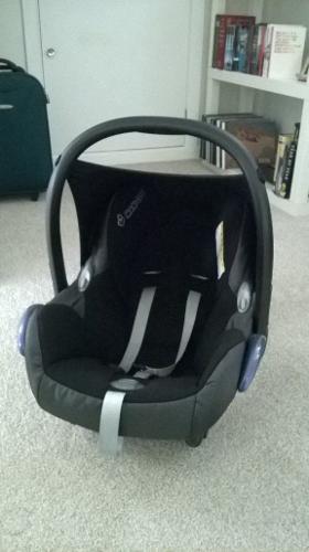 MaxiCosi Cabriofix Car Seat, Isofix Base and adapters