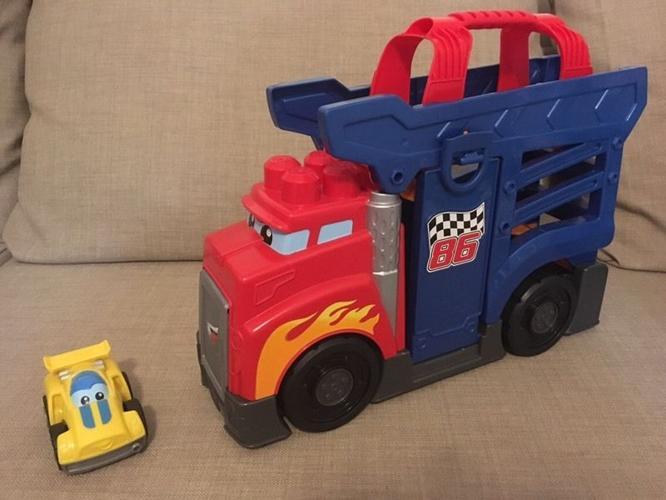 Megablocks Transporter