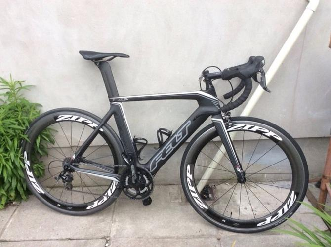 Men's Felt AR5 carbon fibre road bike