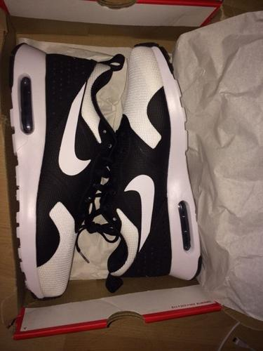 mens air max brand new 1 hour old