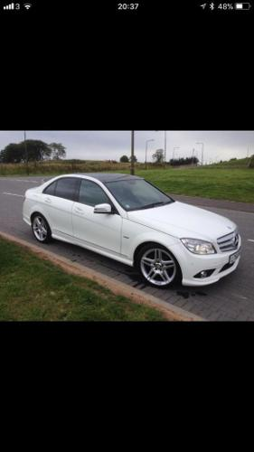 Mercedes c220 white with panoramic roof