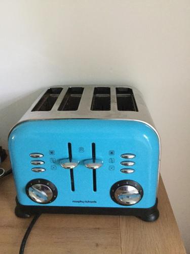 Morphs Richards blue toaster 4 slice