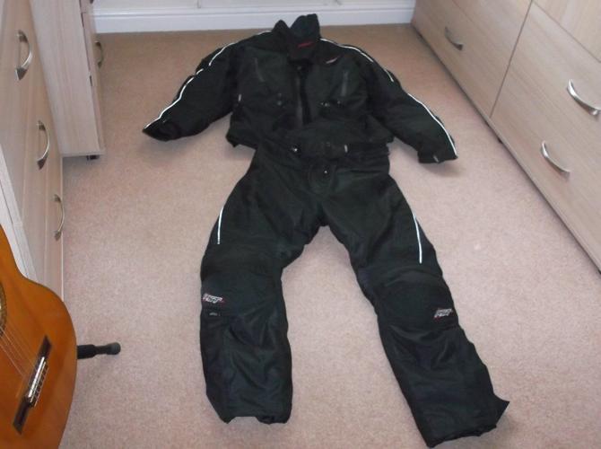Motorcycle suit waterproof
