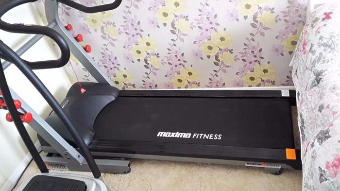 Motorised Maxima Fitness Folding Treadmill