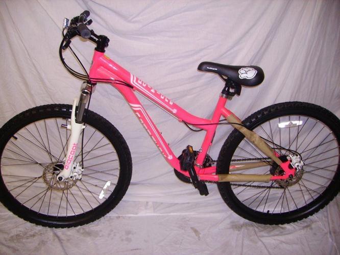 mountain bike muddy/fox aduilts/teens 26inc wheels