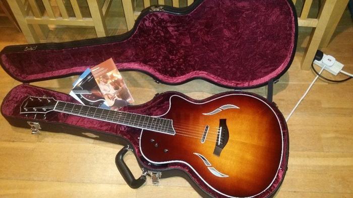 **NEW** TAYLOR T5 STANDARD Hybrid Acoustic Guitar