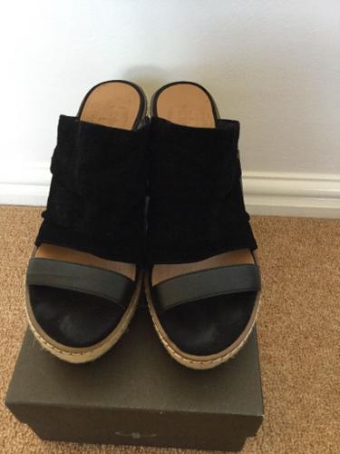 Nine West Wedge sandal size 4