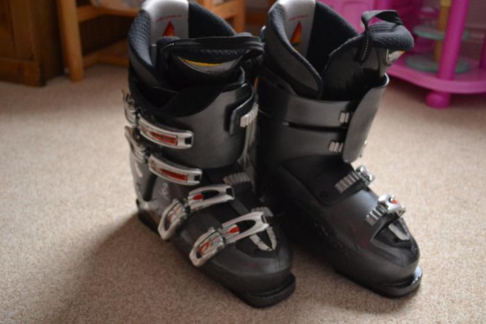 Nordica Easy Move X12 Ski Boots 27.5 cm. Boot Shell