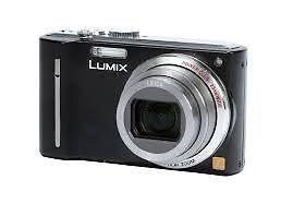Panasonic luminous DMC TZ8 digital camera with case