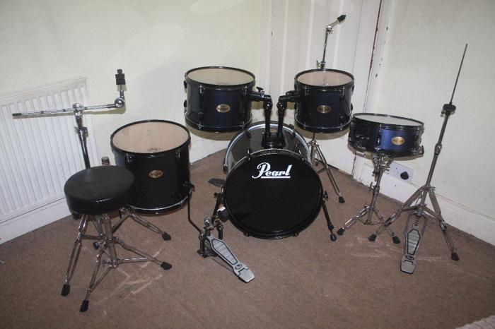 Pearl Target Dark Blue 5 Piece Complete Drum Kit (18