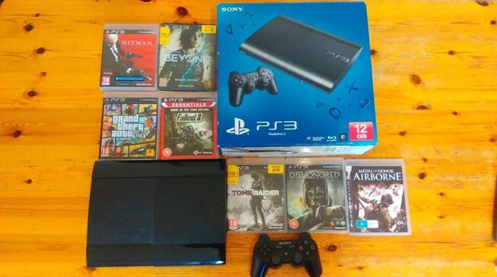 PS3 + 7 games, great condition, original packaging, GTA