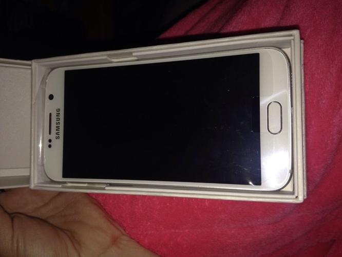 Samsung Galaxy S6, 32gb, Pearl white £350 ono