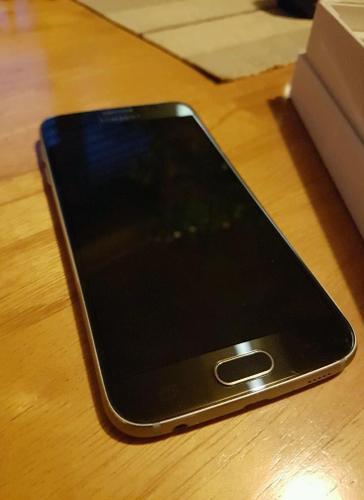 Samsung galaxy s6 32gb unlocked as new
