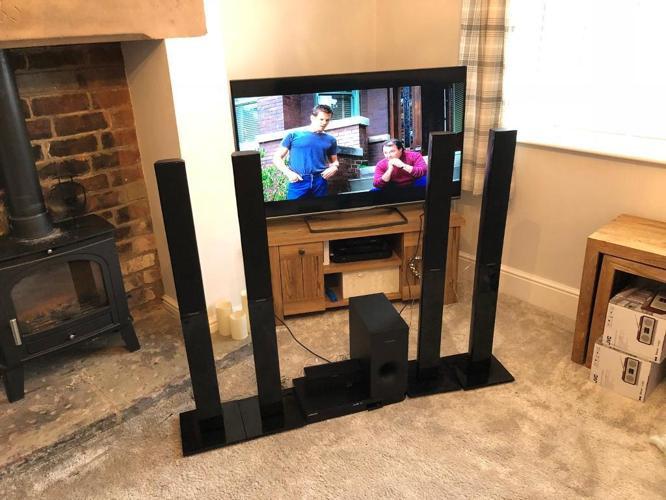 Samsung HT-J4550 5 Speaker 3D Blu-ray & DVD Home
