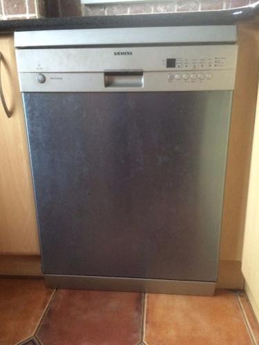Siemens Dishwasher for sale - absolute bargain