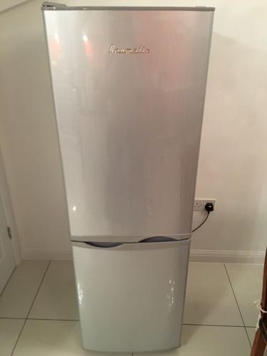 Silver 60/40 Fridge Freezer - Baumatic - Good Condition
