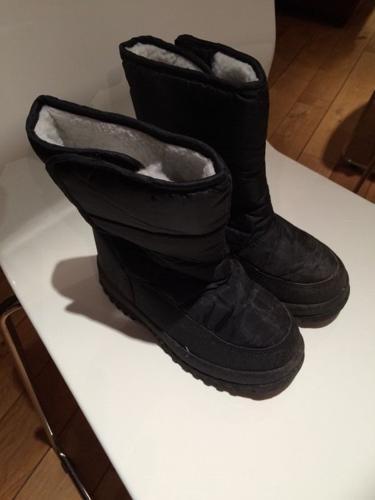 Snow Boots kids size 12