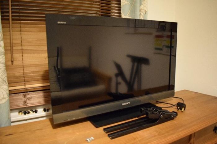 SONY Bravia LCD TV - KDL - 32EX403. Works great...