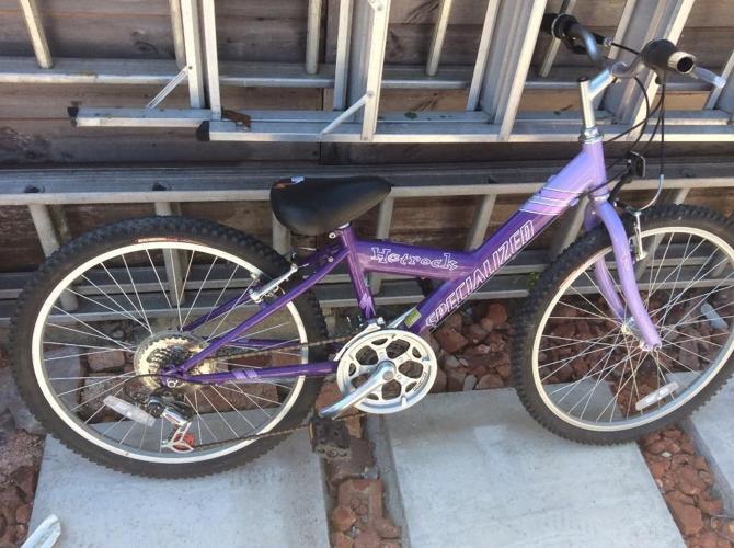 Specialized hotrock 24 girls bike