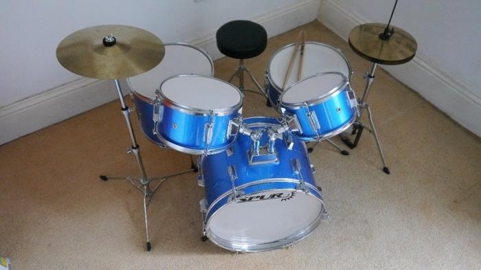 Spur 5 piece child's drum kit