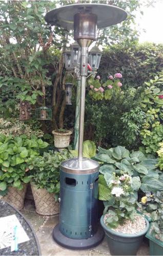 Standing garden/ patio heater on wheels!! Bargain!!!