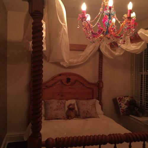 Stunning Four Poster Double Bed with Turned Posts