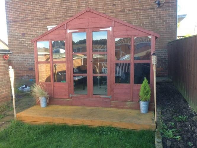 Summerhouse 10x8 ft decking & extras