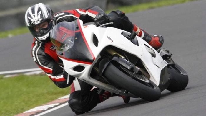 Suzuki GSXR 600 K5 race track bike V5