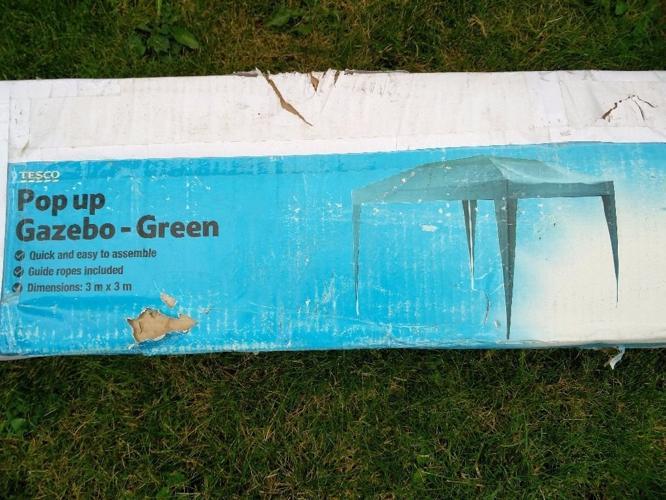Tesco Pop Up Gazebo - green - 3m x 3m