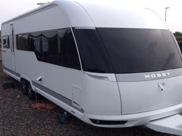 top of the range new model hobby caravan 6 berth for sale. Black Bedroom Furniture Sets. Home Design Ideas