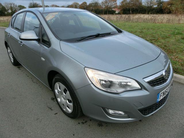 Vauxhall Astra 1.3CDTi ecoFlex 2010 Exclusiv BUY THIS