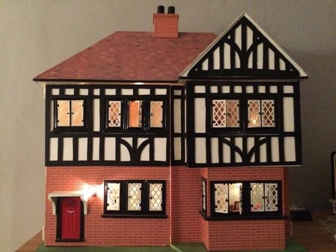 Vintage 1950's Dolls House