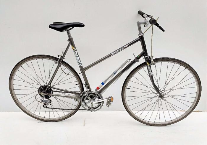 vintage ladies Dawes shadow town bicycle