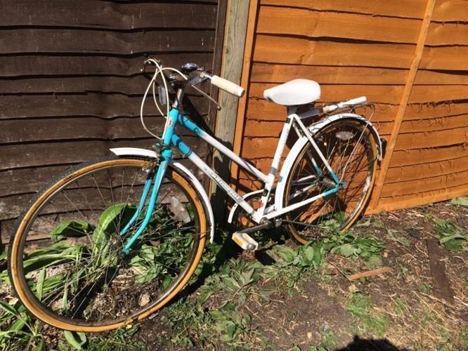 Vintage lady's universal Riviera Sport Bike