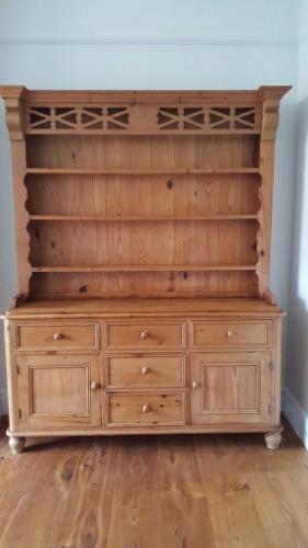 Welsh Dresser in Antique Pine