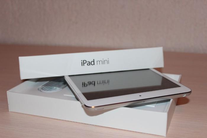 White iPad Mini 1st Gen - 16GB - Wifi/4G - Great