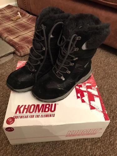Women's walking boots size 6 very warm waterproof