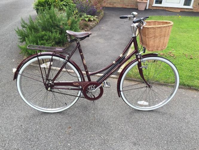 Womens Burgundy Raleigh Cameo bicycle, Brooks saddle,