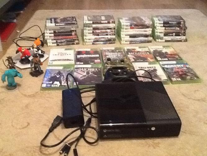 Xbox 360 bundle. Console, with 2 wireless pads plus 38
