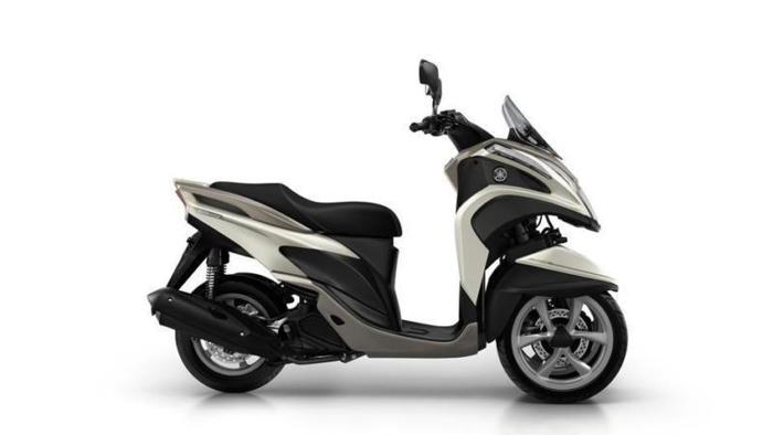 Yamaha MW 124cc 125 Tricity Scooter 3 wheel 2015MY 125