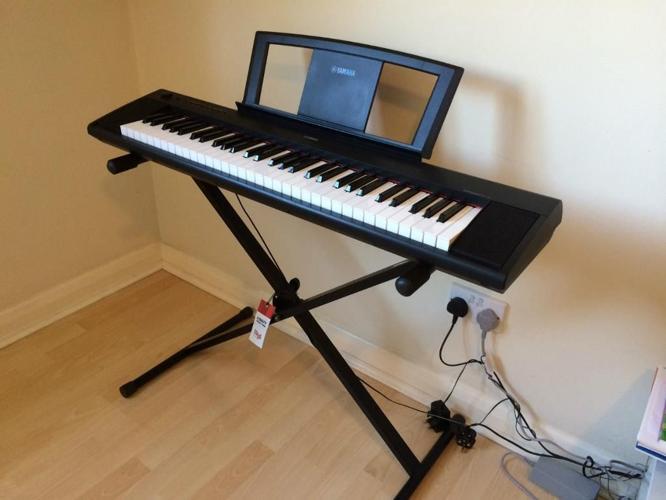 Yamaha NP11 Piaggero Portable Digital Piano with stand