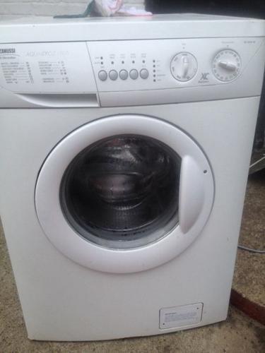 Zanussi 1500 extra capacity washing machine