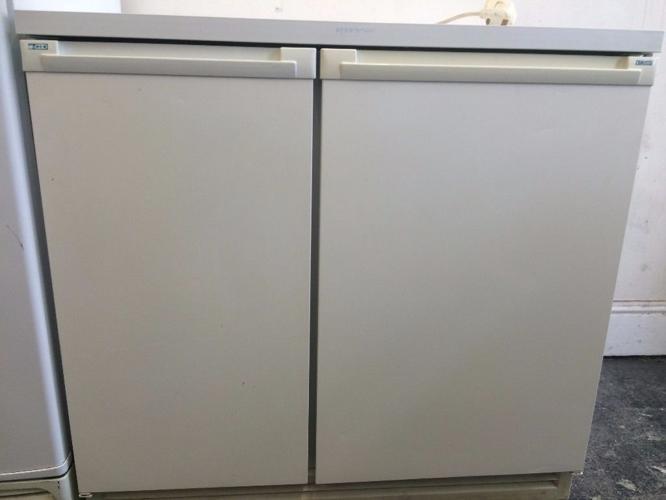Zanussi under bench fridge freezer combo
