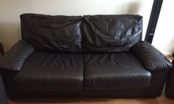 1 year old very good condition no wear sign 3 seater